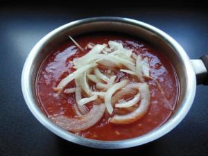 Sauce tomate - Mixer les légumes