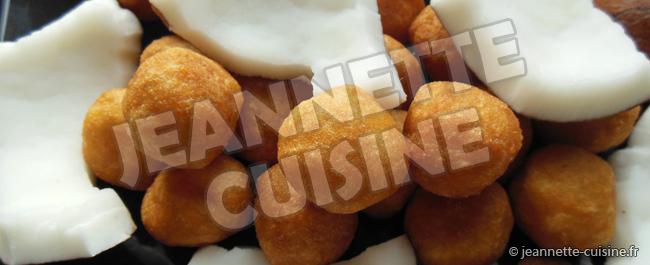 Boule de manioc et noix de coco