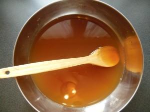 Filtrer le jus de tamarin