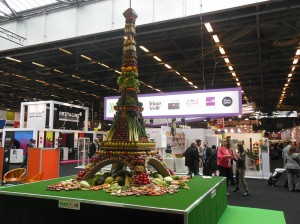 Une Tour Eiffel en légumes